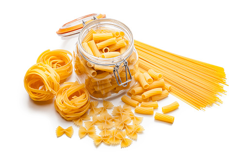 Raw Food「Various types of raw pasta isolated on white background」:スマホ壁紙(18)