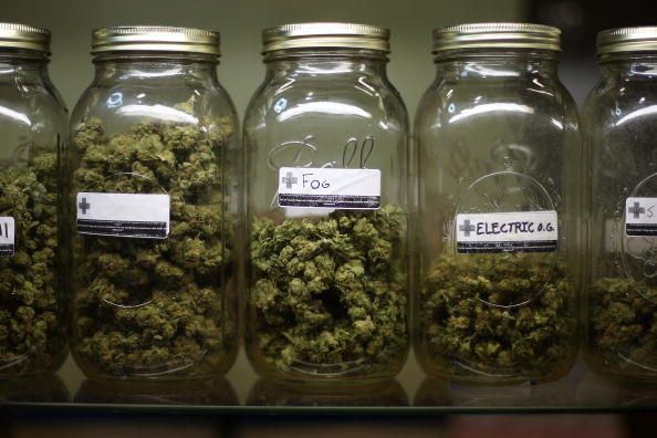 Legal System「Obama Admin. Unveils New Policy Easing Medical Marijuana Prosecutions」:写真・画像(6)[壁紙.com]