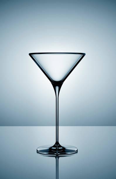 Empty martini glass on gray background:スマホ壁紙(壁紙.com)