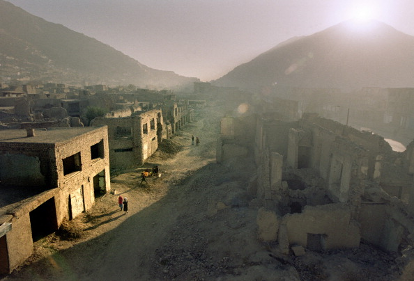 Rubble「Sunset Over a Ruined Afghan town」:写真・画像(11)[壁紙.com]