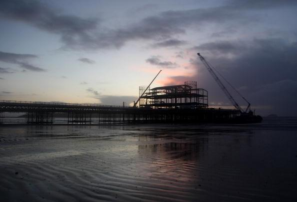 Weston-super-Mare「Reconstruction Continues On Weston Pier」:写真・画像(3)[壁紙.com]