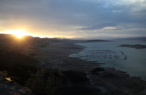 Surface Level「Lake Mead At Historic Low Levels Amid Drought In West」:写真・画像(16)[壁紙.com]