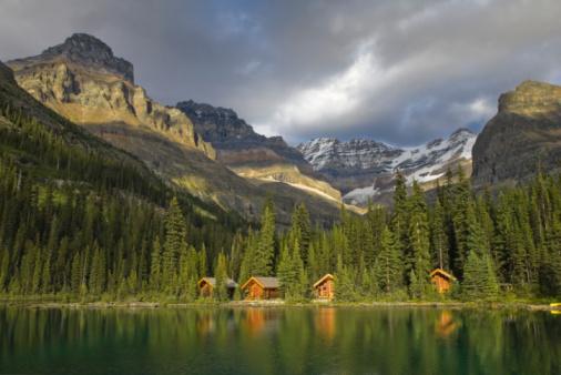 Yoho National Park「Lake O'Hara and Lake O'Hara Lodge, Yoho National Park, British Columbia, Canada」:スマホ壁紙(5)