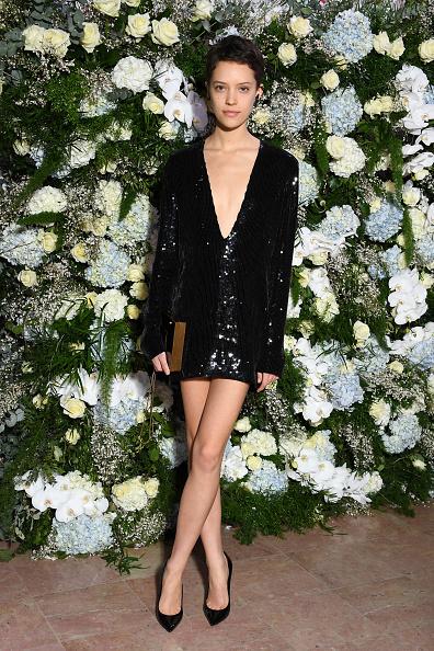 Plunging Neckline「16th Sidaction  - Paris Fashion Week - Haute Couture Spring Summer 2018」:写真・画像(4)[壁紙.com]