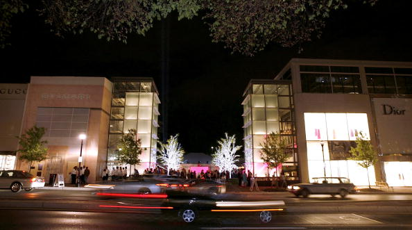 Joshua Roberts「Capitol File Magazine Host The Opening Of The Collection At Chevy Chase」:写真・画像(15)[壁紙.com]