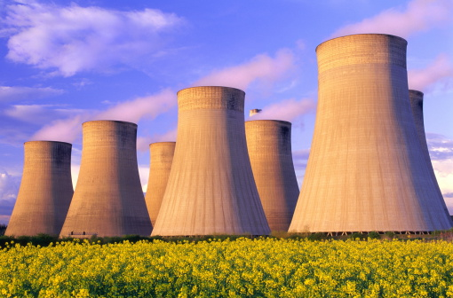 Oil Industry「Cooling towers of coal-fired power station, England」:スマホ壁紙(3)