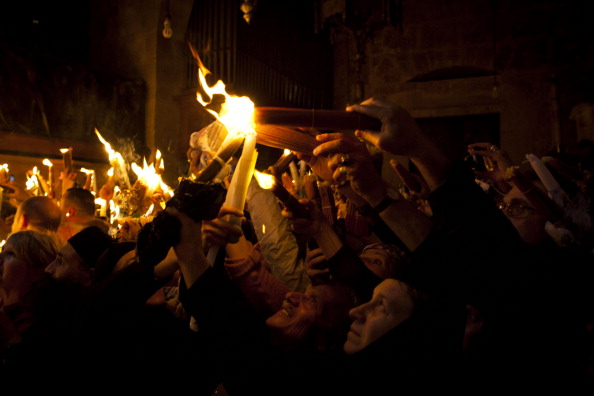 Religion「Orthodox Christians Celebrate Holy Fire Ceremony」:写真・画像(10)[壁紙.com]