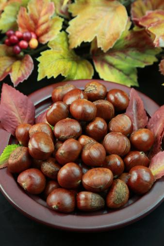 栗「Chestnuts」:スマホ壁紙(2)