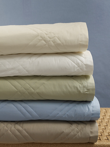 Folded「Stack of Cotton Quilts」:スマホ壁紙(9)