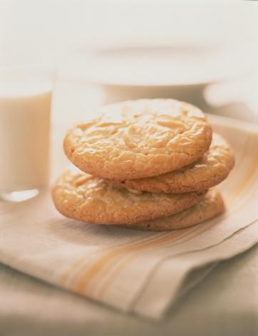 Napkin「Stack of Cookies on Napkin」:スマホ壁紙(1)