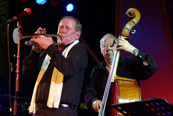 Bass Instrument「Digby Fairweather and Len Skeat, Brecon Jazz Festival, Powys, Wales. Artist: Brian O'Connor」:写真・画像(11)[壁紙.com]