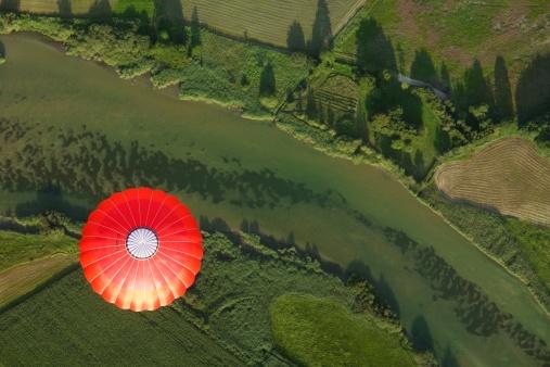 気球「Bavaria, Germany, balloon trip over green landscapes, aerial view」:スマホ壁紙(14)