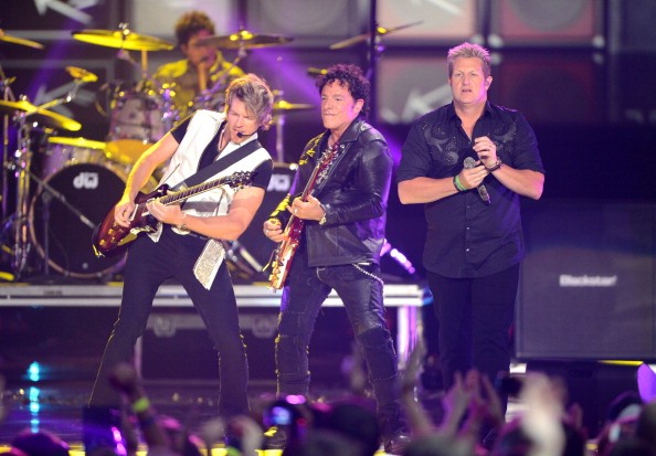 Journey「2012 CMT Music Awards - Show」:写真・画像(15)[壁紙.com]