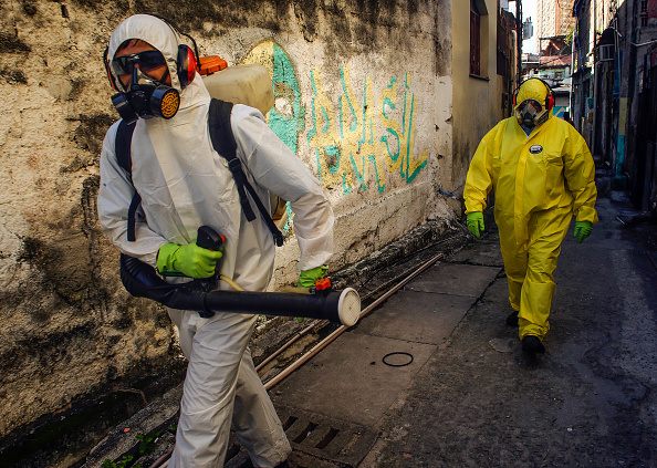 Brazil「Sanitary Agents from the The City Council of Niteroi Sanitize Favela Vila Ipiranga Due to the Coronavirus (COVID -19) Pandemic」:写真・画像(3)[壁紙.com]