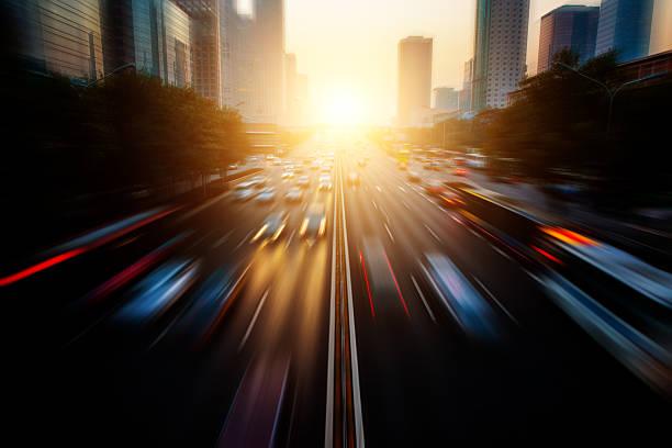 Motion blur city traffic:スマホ壁紙(壁紙.com)