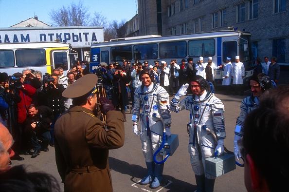 Russian Military「MIR Space Station」:写真・画像(1)[壁紙.com]