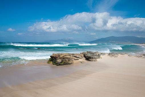 波「Los Lances beach, Tarifa, Cadiz, Andalucia, Spain」:スマホ壁紙(9)