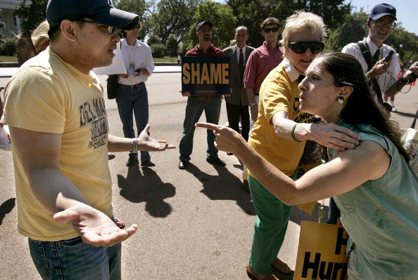 Anger「Protestors Rally In Support Of Katrina Evacuees At White House」:写真・画像(15)[壁紙.com]