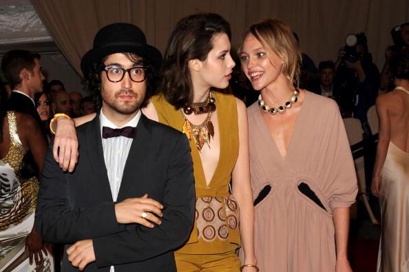 "Clutch Bag「""American Woman: Fashioning A National Identity"" Met Gala - Arrivals」:写真・画像(9)[壁紙.com]"