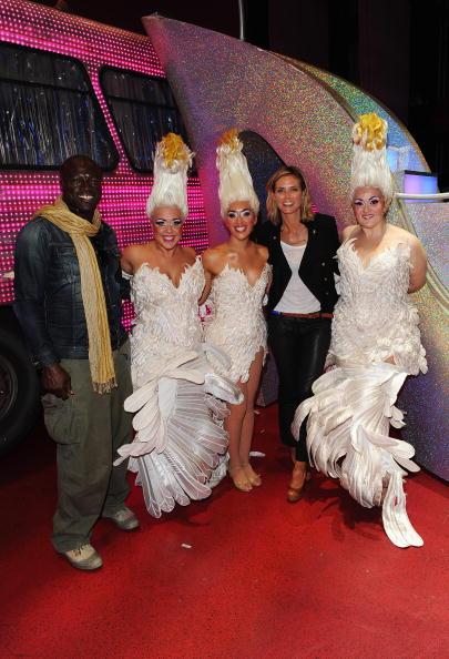 Ian Gavan「Seal And Heidi Klum Meet Cast Of Priscilla Backstage At Palace Theatre」:写真・画像(3)[壁紙.com]