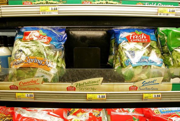 Salad「FDA Issues Warning After E. coli Outbreak Traced To Spinach」:写真・画像(16)[壁紙.com]