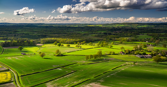 West Sussex「West Sussex Countryside - Aerial Panorama」:スマホ壁紙(0)