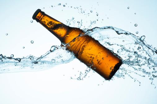 Purity「Big Splash with Beer Bottle」:スマホ壁紙(4)