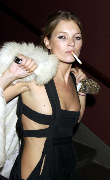 Cleavage - Breasts「Mario Testino At The National Portrait Gallery」:写真・画像(13)[壁紙.com]