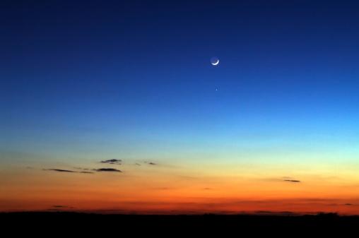 半月「Night Sky」:スマホ壁紙(6)