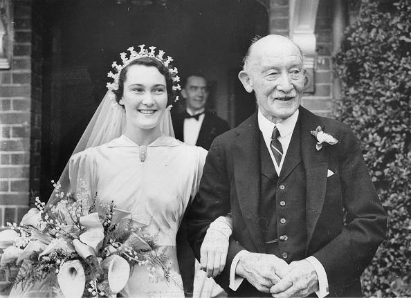Bouquet「Betty Baden-Powell At Her Wedding」:写真・画像(2)[壁紙.com]
