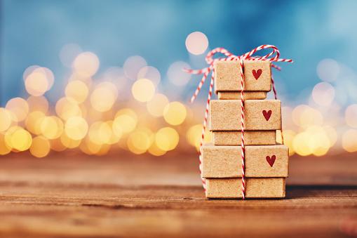 Valentine's Day「Valentine's Day background with gift stack」:スマホ壁紙(7)