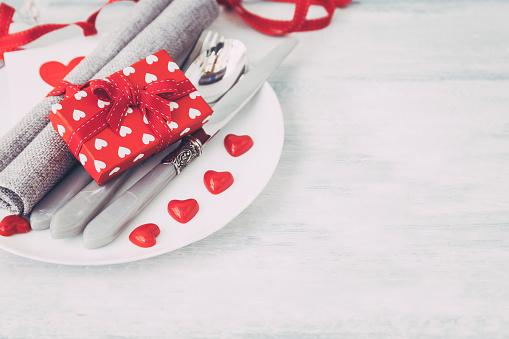バレンタイン「Valentine's Day place setting」:スマホ壁紙(18)