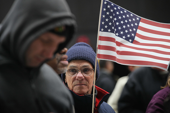 Scott Olson「Chicago Tax Day Tea Party Rally Held At Daley Plaza」:写真・画像(7)[壁紙.com]