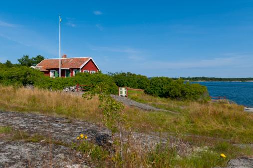 Midday「Cute little cottage in the archipelago」:スマホ壁紙(3)