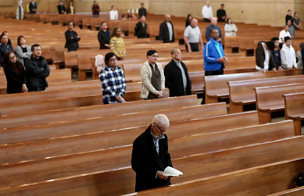 Religious Mass「Coronavirus Pandemic Causes Climate Of Anxiety And Changing Routines In America」:写真・画像(12)[壁紙.com]