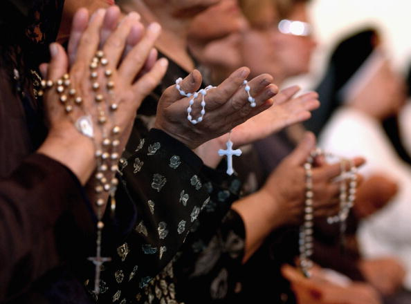 Religion「Iraqi Worshippers Pray For Pope John Paul II」:写真・画像(8)[壁紙.com]