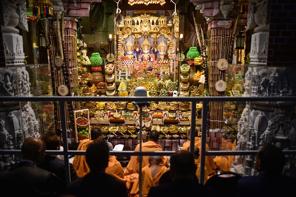 Worshipper「Diwali And Gujarati New Year Celebrations In North London」:写真・画像(8)[壁紙.com]