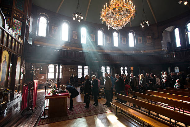 Ukrainians Meet For Weekly Church Service In London:ニュース(壁紙.com)