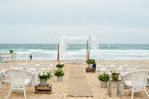 結婚「Ceremony set up on beach」:スマホ壁紙(13)