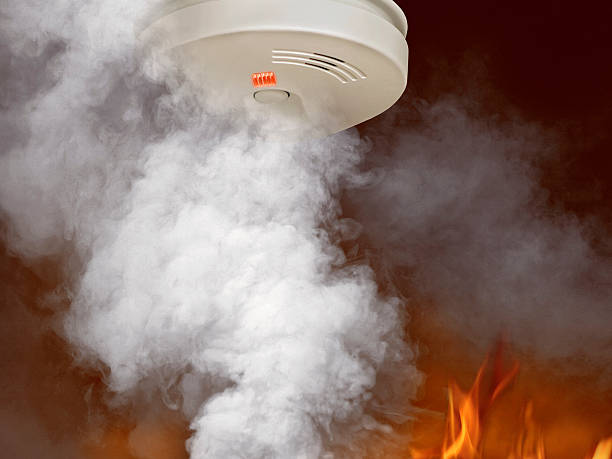 Smoke and flames around smoke detector:スマホ壁紙(壁紙.com)