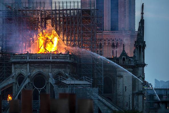 Notre Dame de Paris「Fire Breaks Out At Iconic Notre-Dame Cathedral In Paris」:写真・画像(14)[壁紙.com]