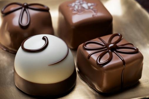 Milk Chocolate「Assorted elegant chocolate truffles」:スマホ壁紙(3)