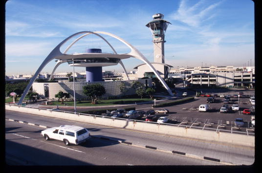 LAX Airport「A Day In The Life Of Los Angeles International Airport」:写真・画像(3)[壁紙.com]
