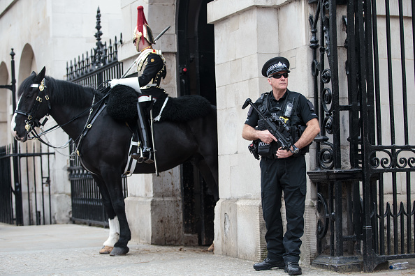 UK「Heightened Security Is Visible In London Following The Manchester Terrorist Attack」:写真・画像(8)[壁紙.com]