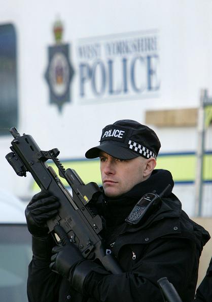 Black Color「Policewoman shot dead in Bradford City Centre」:写真・画像(2)[壁紙.com]