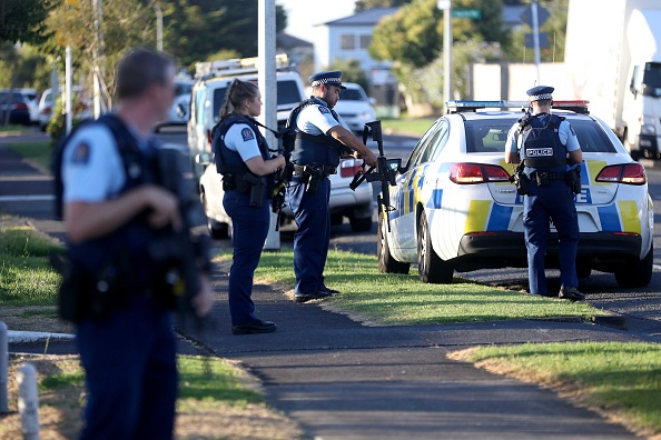 New Zealand「Police Guard Auckland Mosques Following Christchurch Attacks」:写真・画像(2)[壁紙.com]