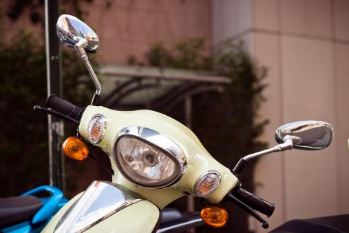 自転車・バイク「スクーターハンドル、2 つの反転の鏡とヘッドライト」:スマホ壁紙(9)
