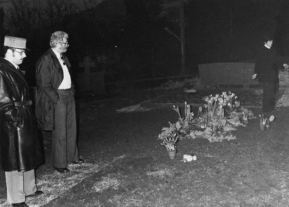 Grave「Chaplin's Grave Desecrated」:写真・画像(1)[壁紙.com]
