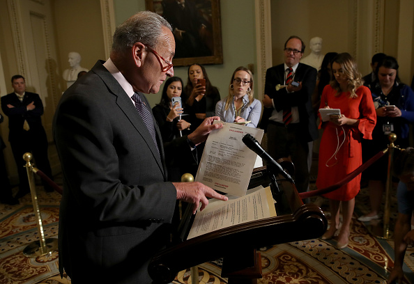 Conference Phone「U.S. Senate Minority Leader Chuck Schumer (D-NY) Speaks On The House Impeachment Inquiry」:写真・画像(9)[壁紙.com]
