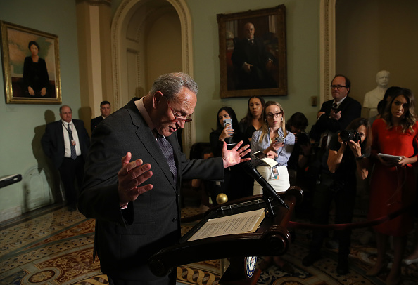 Conference Phone「U.S. Senate Minority Leader Chuck Schumer (D-NY) Speaks On The House Impeachment Inquiry」:写真・画像(8)[壁紙.com]